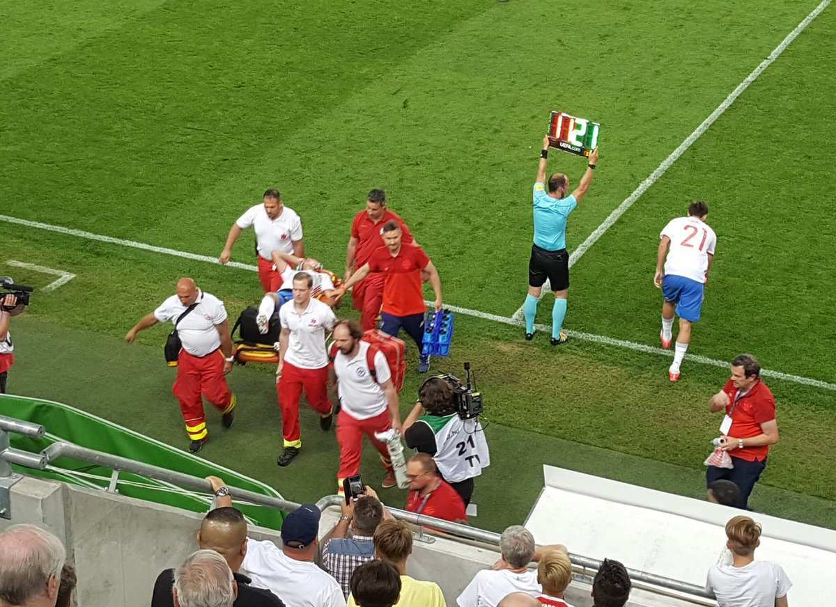 Роман Зобнин получил травму в матче против Венгрии (Видео)