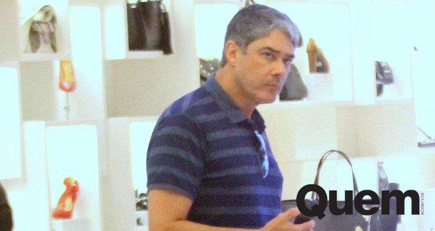 William Bonner vai às compras em shopping no Rio https://t.co/Z6IYApwzHI