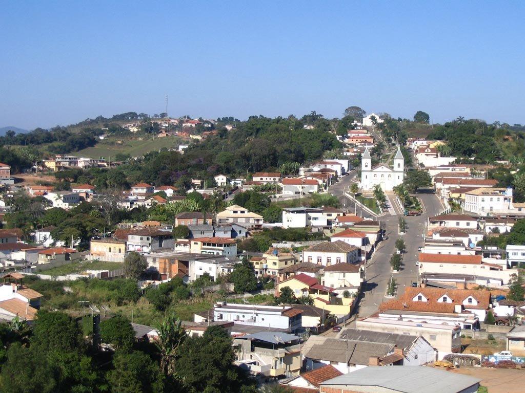 Lagoa Dourada Minas Gerais fonte: pbs.twimg.com