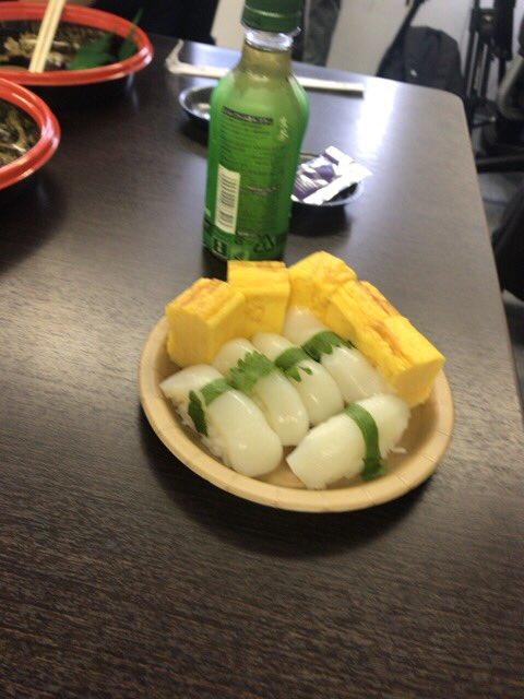 まさか2回目の公式寿司ドラフトをやる事になるとは…今回は終わった後、美味しく頂きました。ちなみに遅刻者のデッキです。 https://t.co/1qkPFNSvcC