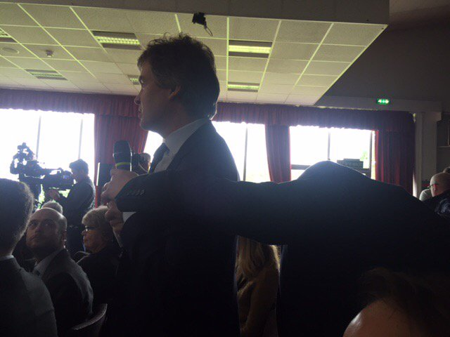 Terribly controlling that Tory press officers, as at today's Boris Johnson event, won't let reporters hold the mike https://t.co/ioNWxGIAGY