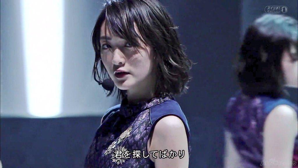 ライブ中の生駒里奈さん