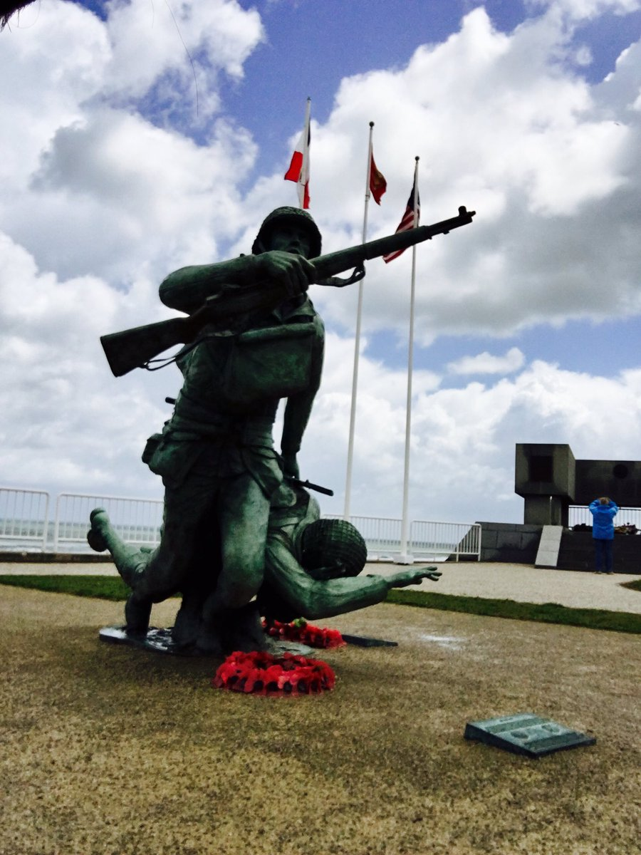 Ultimate respect. #dday surreal to be here on this day. #omahabeach @WWIImuseum https://t.co/gk1KMuArVg