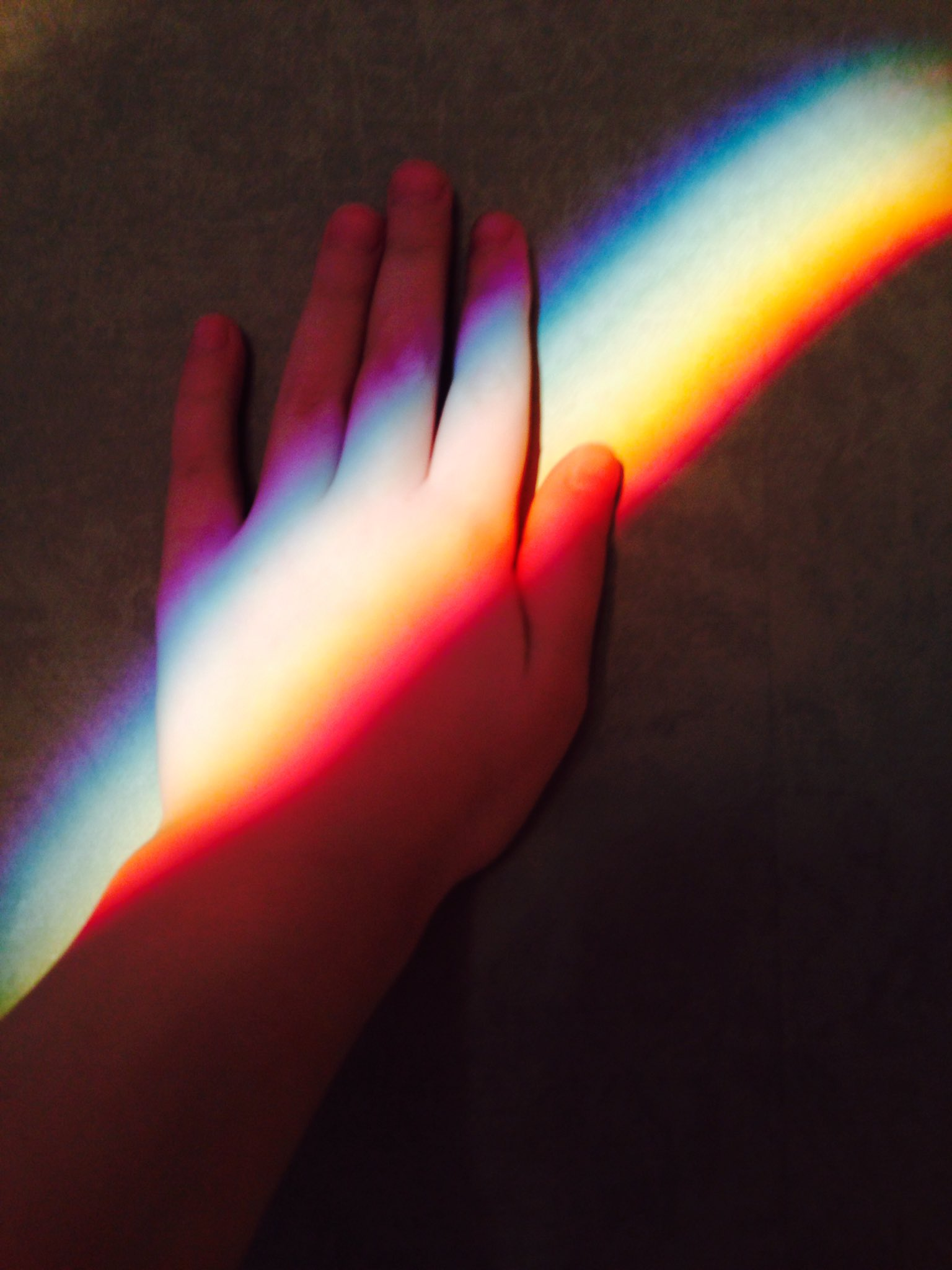 лучшие цитаты радуга на руке фото приложение каждой