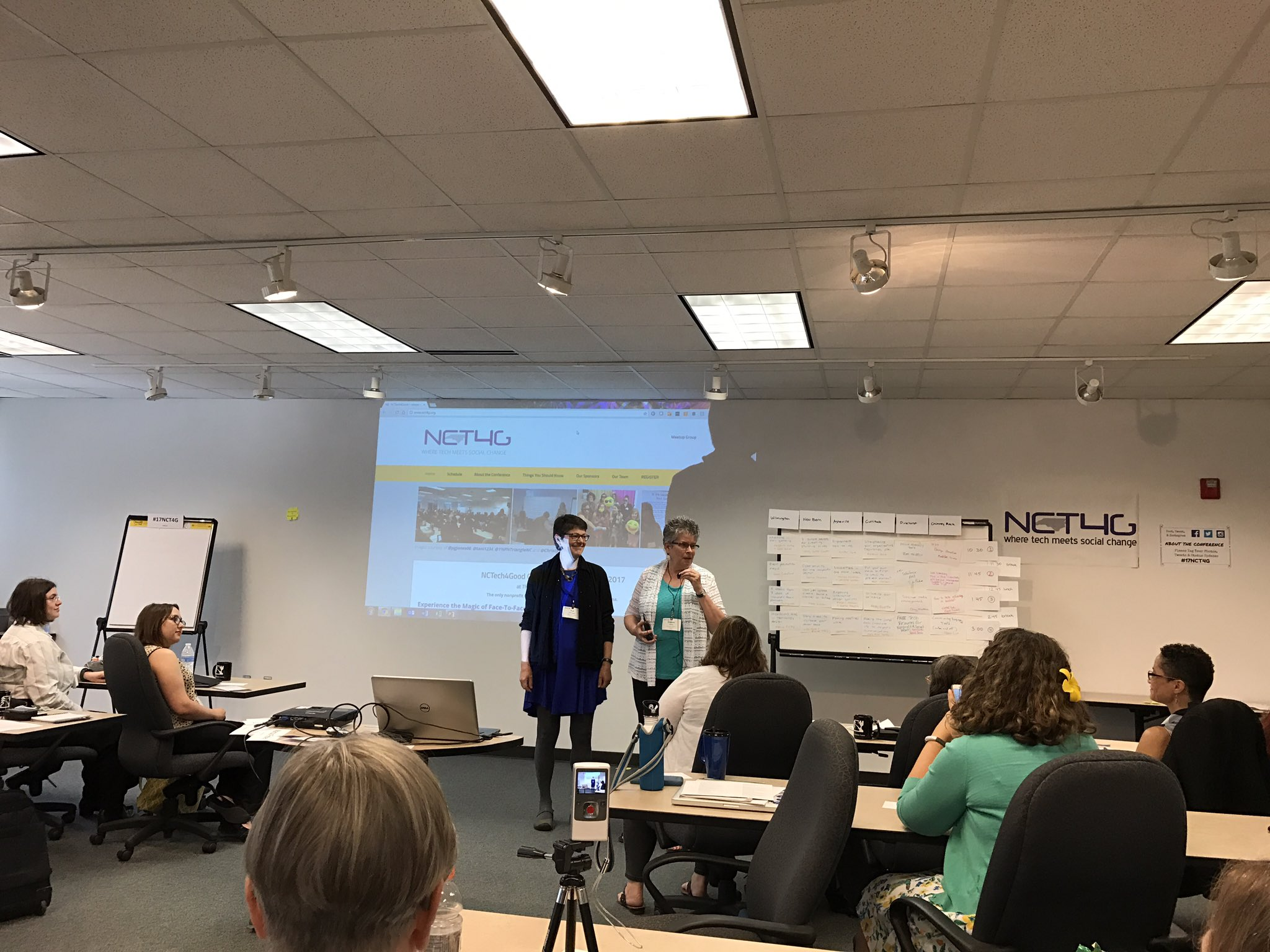 Ignite sessions are beginning! #17NCT4G https://t.co/njSKETq4zL