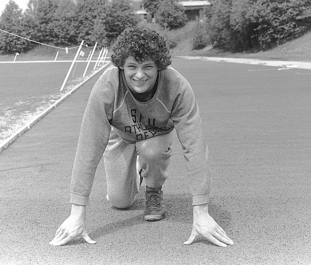 an introduction to the life of terry fox Synopsis terry fox, the one-legged runner from port coquitlam, british columbia, made an indelible impression upon people across canada and around the when terry was in pain, he wouldn't go to the doctor terry had a passion for life, and it was this passion, which gave millions of others hopes.
