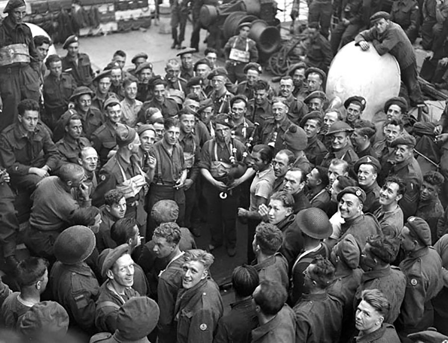 canada s contribution wwii Many people know little about canada's large contribution to world war ii and the efforts many canadians made nearly everyone helped out in this war and thanks to the determination of those involved, the allies were victorious in defeating hitler.