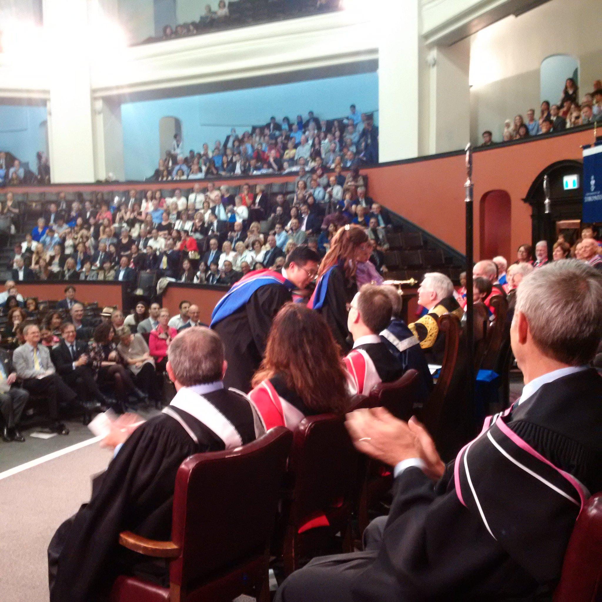 Graduate Yael Feinberg brings her daughter to meet Chancellor Wilson. #UofTGrad17 #UofTMed https://t.co/tZDXLJ8QMl