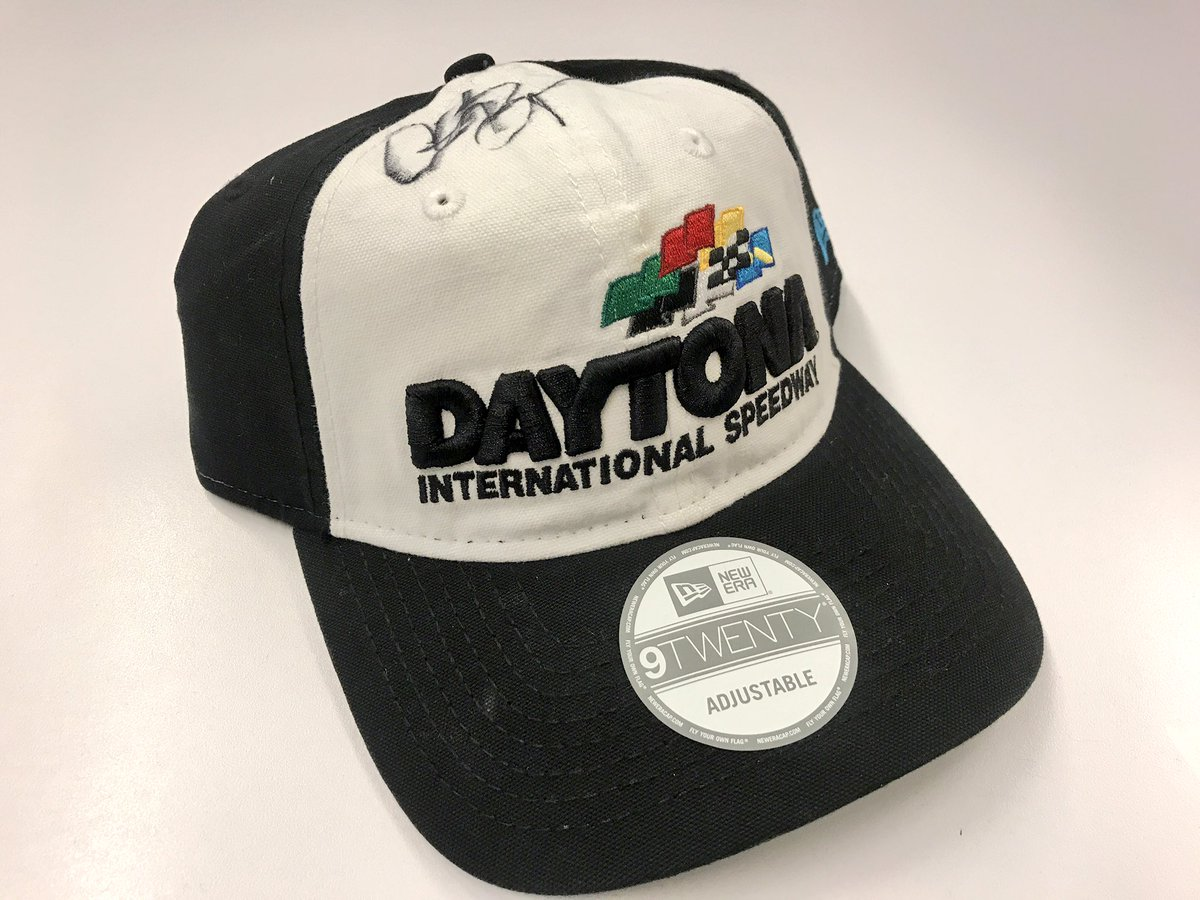 Want to win a @DISupdates hat signed by @ClintBowyer?! RETWEET and we'll pick a random winner at 9 am ET tomorrow! #CokeZero400