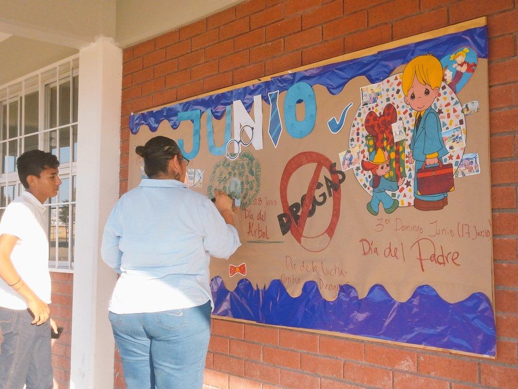 Cecytec Sabinas On Twitter Periódico Mural Del Mes Junio De 2017
