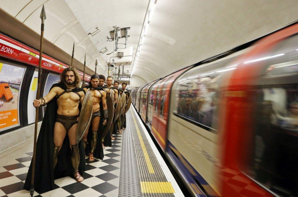 ロンドンのテロ対策www有志がスパルタ兵となり巡回しているらしいwww