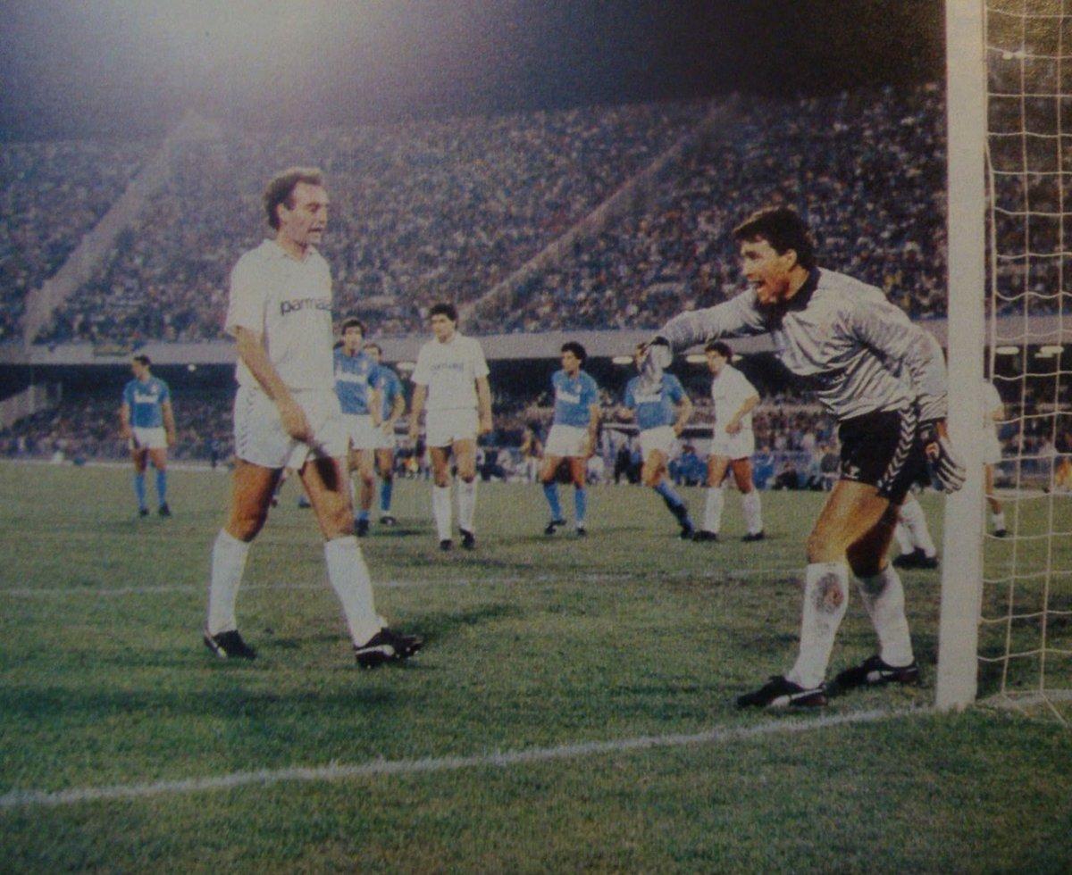 Paco #Buyo #SpanishGK  with #RicardoGallego #NapoliRealMadrid 1987/88 <br>http://pic.twitter.com/aYK8LzTQ8b