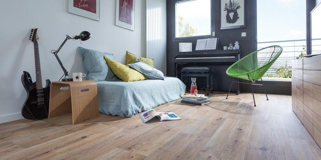 Gerflor vinyl flooring installation floor matttroy for Parquet pvc clipsable gerflor