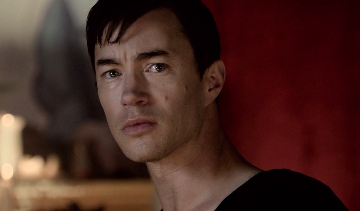 """#WednesdayWisdom #TomWisdom """"I have always thirsted for knowledge, I have always been full of questions."""" ― Hermann Hesse, Siddhartha <br>http://pic.twitter.com/jE1x0jinyR"""