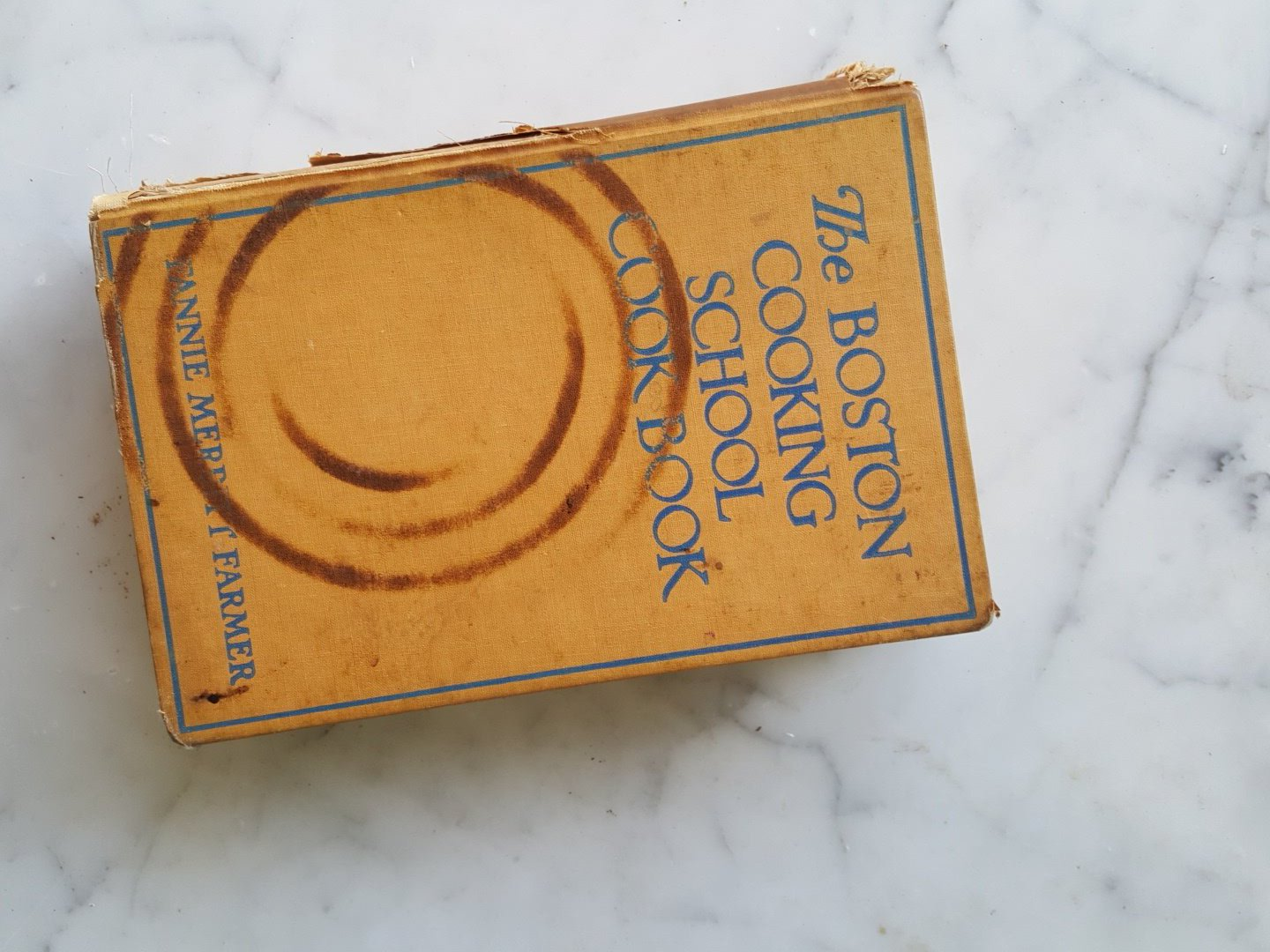 @historecipes Found this old copy of the Boston Cooking School Cookbook branded w/ the coil of electric burner!  #recipesconf #foodhistory https://t.co/qWDpAJSk5i