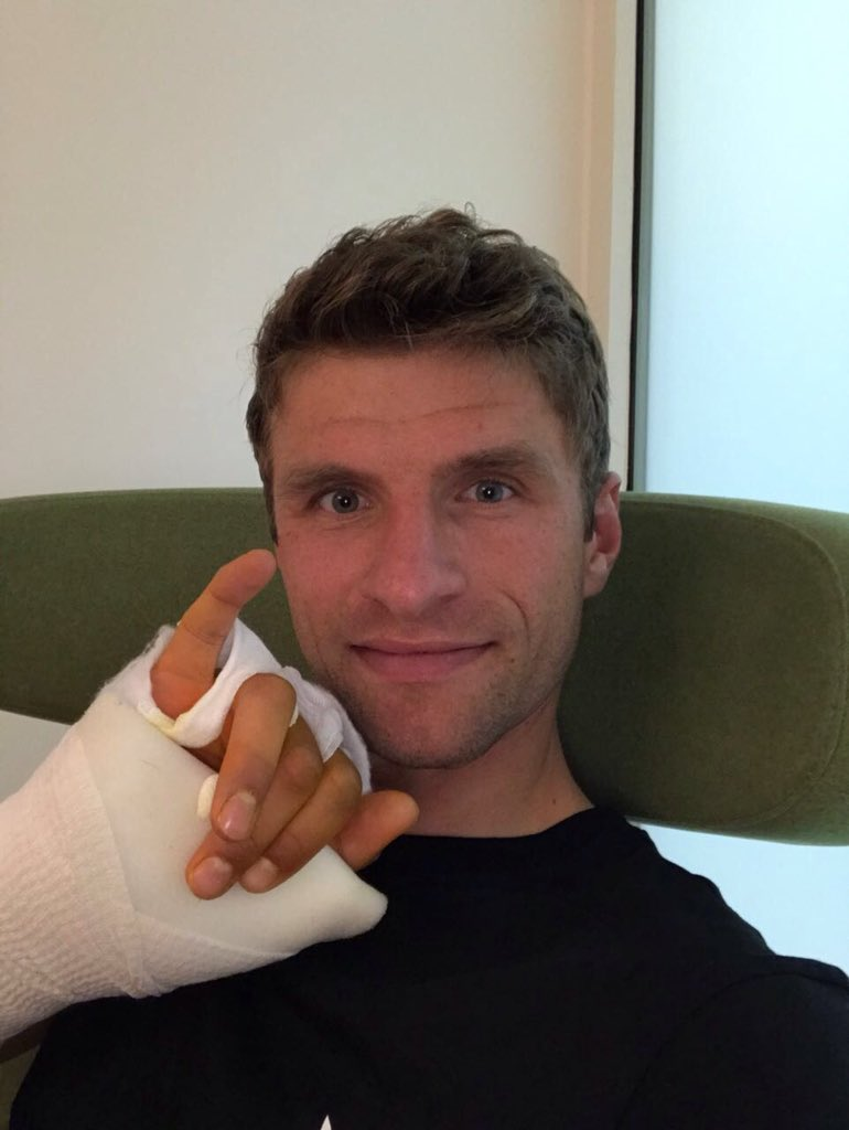 Had a injury on the thumb. Back on the pitch on 1st July. #esmuellert...