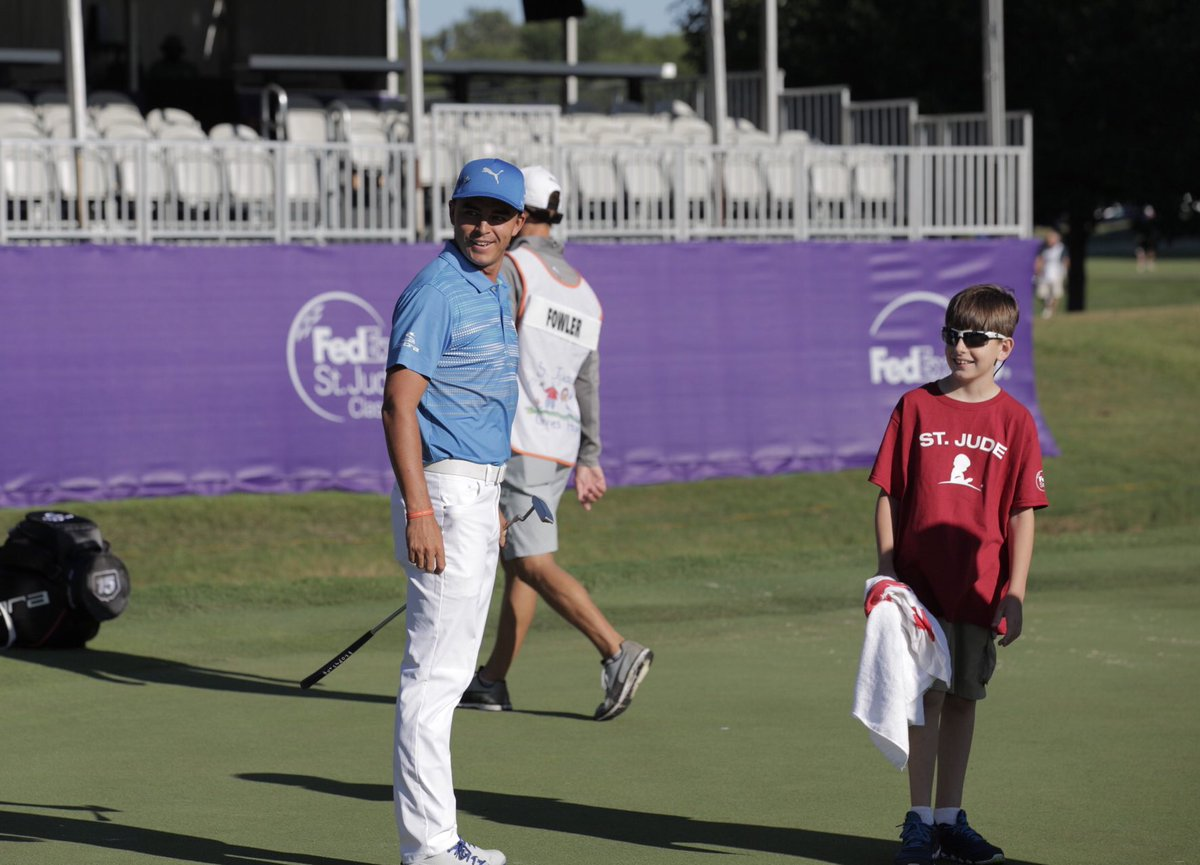 Two holes into the @INWK_Inc and @RickieFowler already has a new caddie! #FESJC60