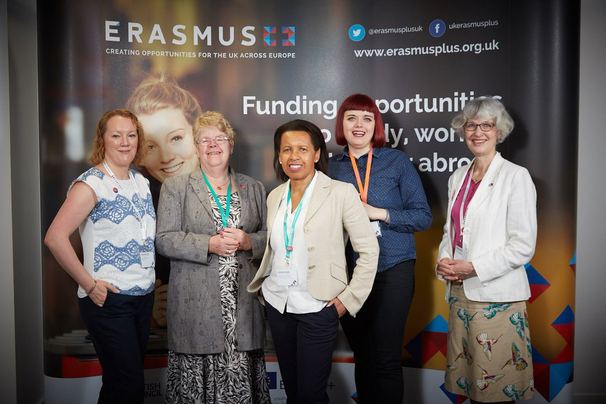 Have you seen the #Glasgow Learning Networks event photos yet? If you were there, tag yourself #epluspeople:  https://www. facebook.com/pg/ukerasmuspl us/photos/?tab=album&amp;album_id=1422620941165334 &nbsp; … <br>http://pic.twitter.com/dpRRWyi57D