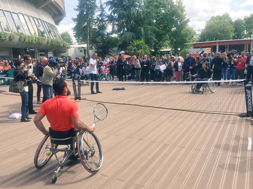 .@Anne_Hidalgo @MJEREMIASZ, Charlotte Famin &amp; @grandcorpsmalad together for #Paris2024 - Inclusion is at the  of our bid #RG17 #Paralympic<br>http://pic.twitter.com/Vws0uUi9ya
