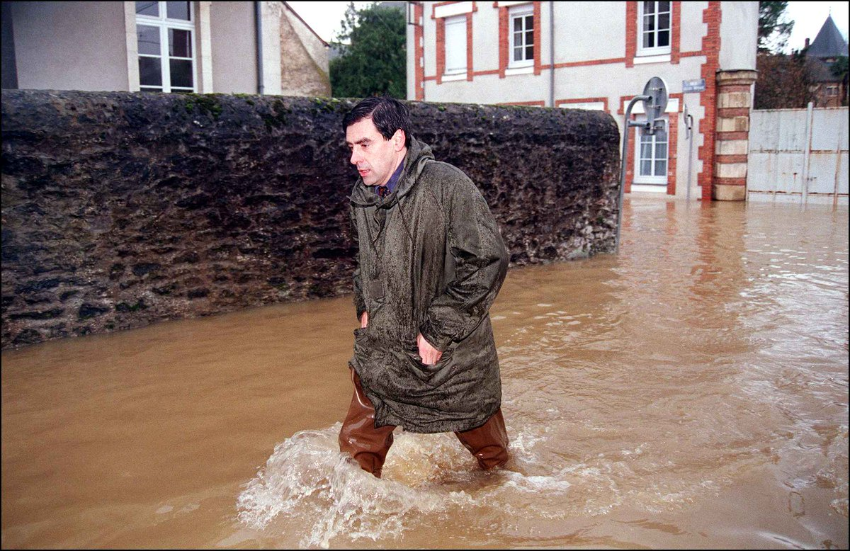 Getting cool after The Floor is Lava Challenge - You Lost #Fillon <br>http://pic.twitter.com/Fp1G5ImcEs