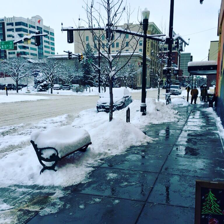 Remember #Snowpocalypse? Thermometer is gonna get close to three digits today. We have drinks to keep you cool as ice. <br>http://pic.twitter.com/i79uDtigkO