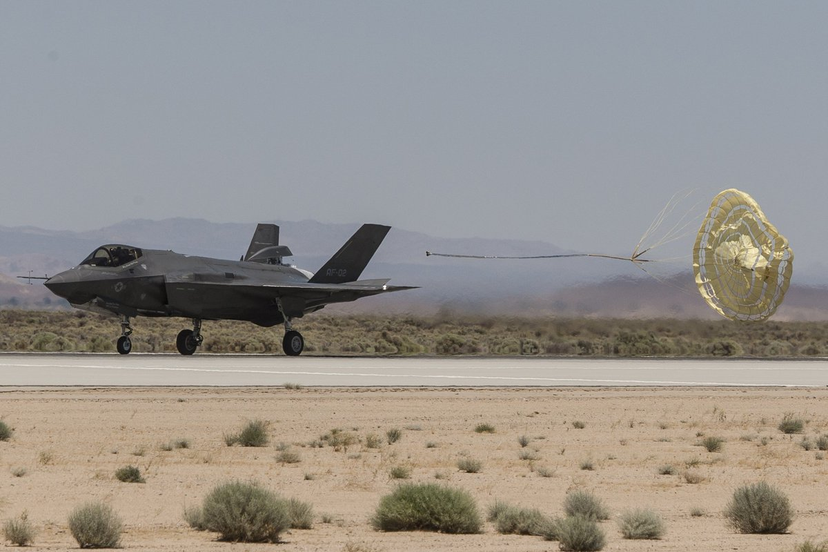 F-35 Development and News Thread: - Page 17 DBvCaPpV0AAbruL