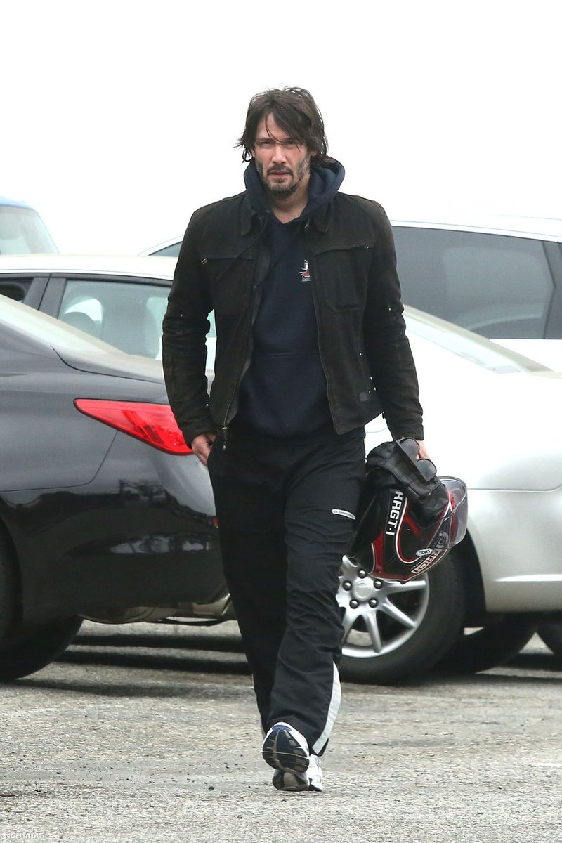 """Kat on Twitter: """"Keanu Reeves heading home after workout ..."""