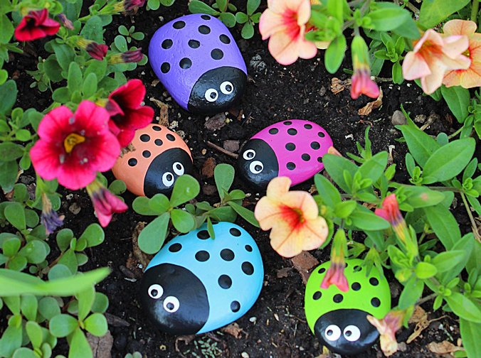 Ladybug Painted Rocks: ladybug rocks for the garden