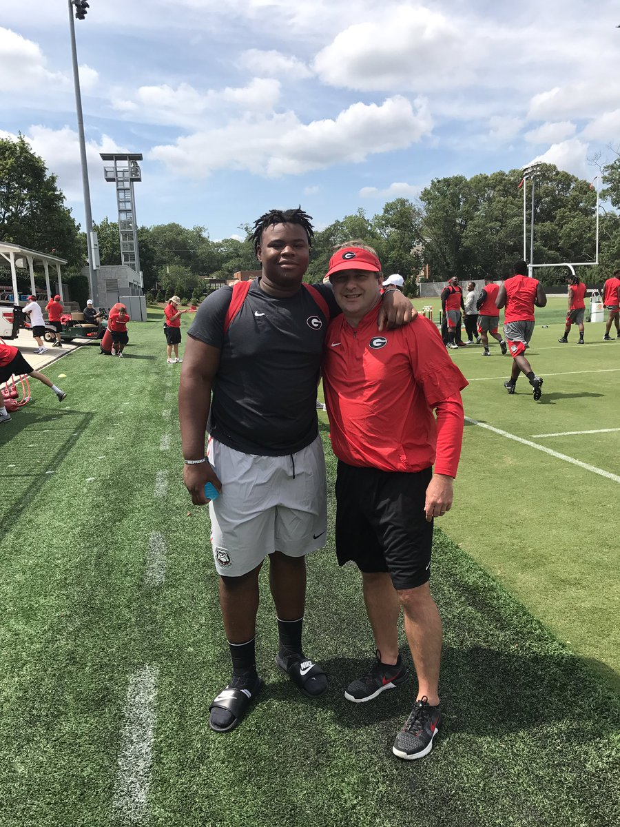 Keiondre Jones (left) with UGA Head Coach Kirby Smart (Photo from Keiondre Jones/Twitter)