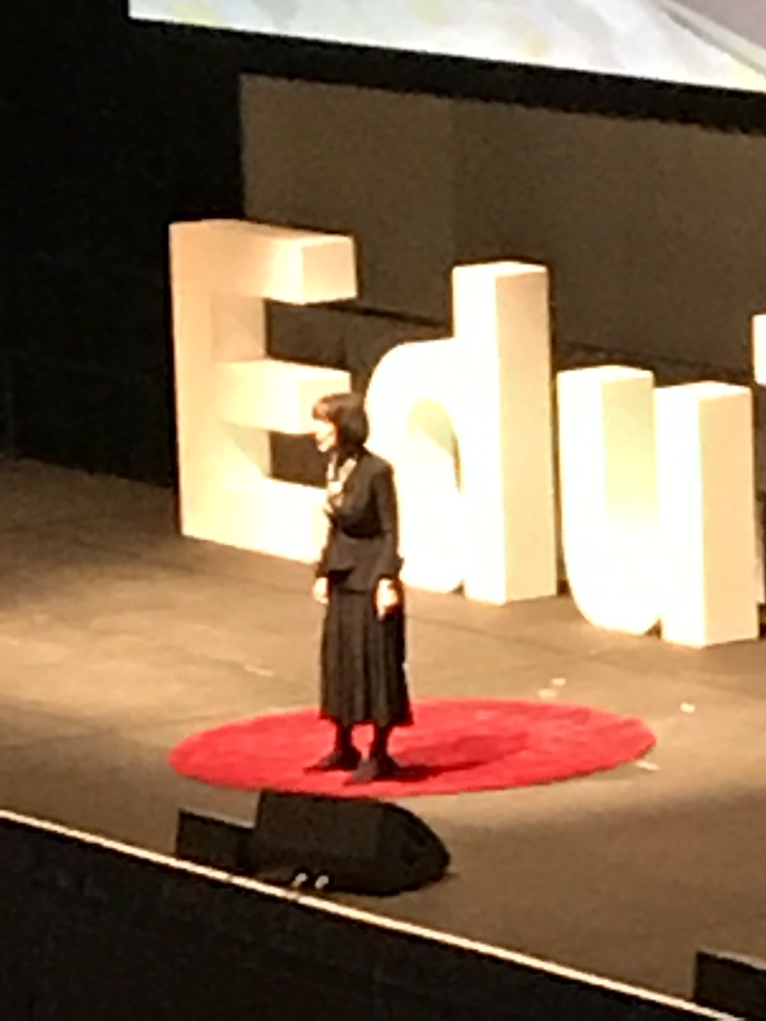 Hearing from Carol Dweck now about growth mindset! #EduTECHAU https://t.co/pZl5zcM3IG