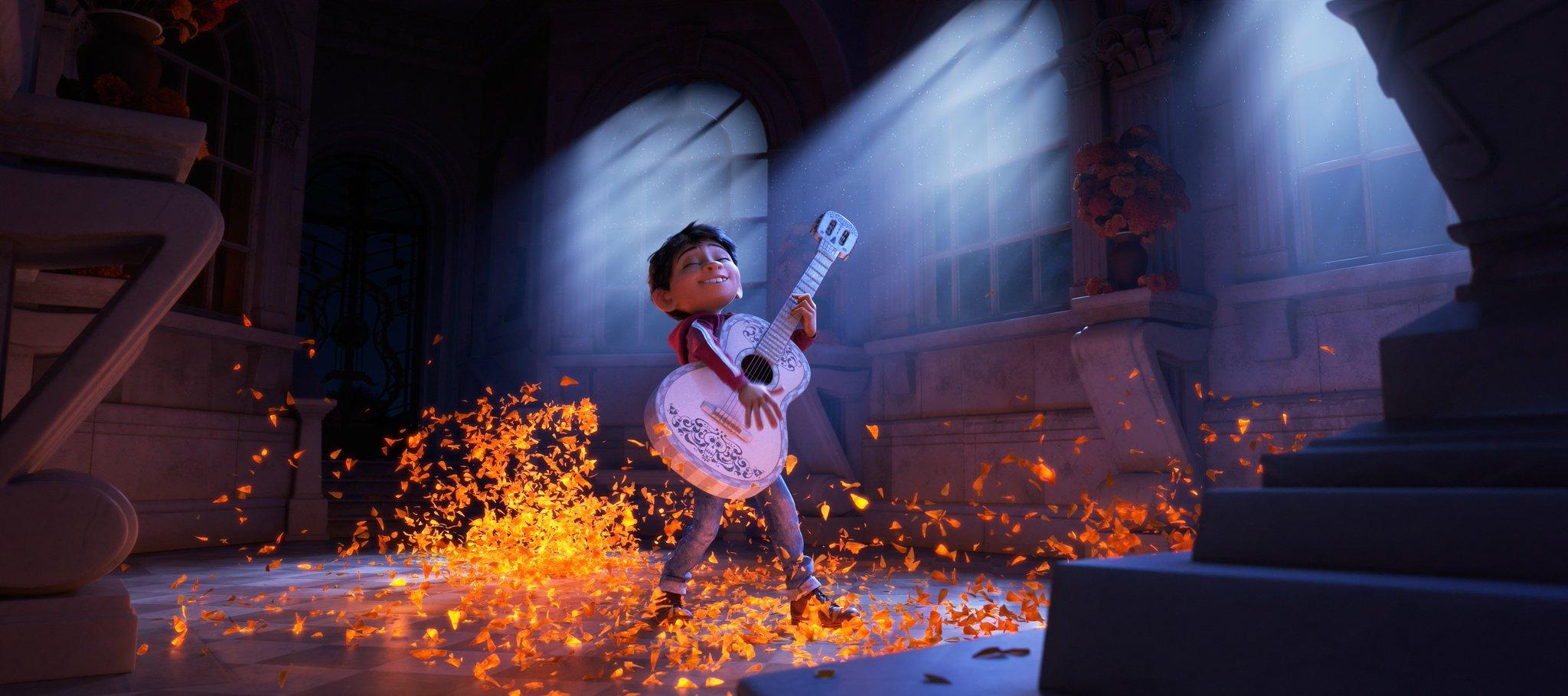 Disney•Pixar's Coco Trailer Unveiled