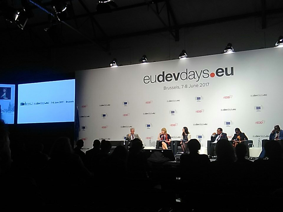 We start with a thought for @UNFPA Dr Babatunde Osotimehin and a serious talk about demographic dividend! @UNFPABrussels #EDD17 https://t.co/FYk6TMhqDi