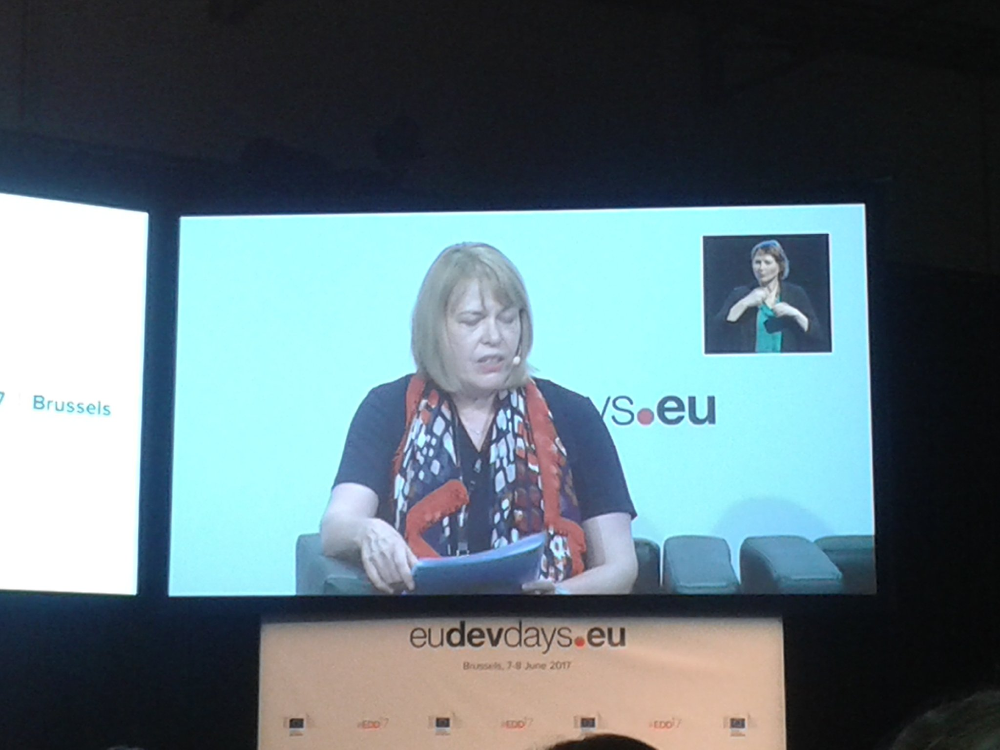 Key to harnessing demographic dividend is enabling young people to enjoy their #HumanRights - @StenekerS at #EDD17 https://t.co/5tNVdOS5eB