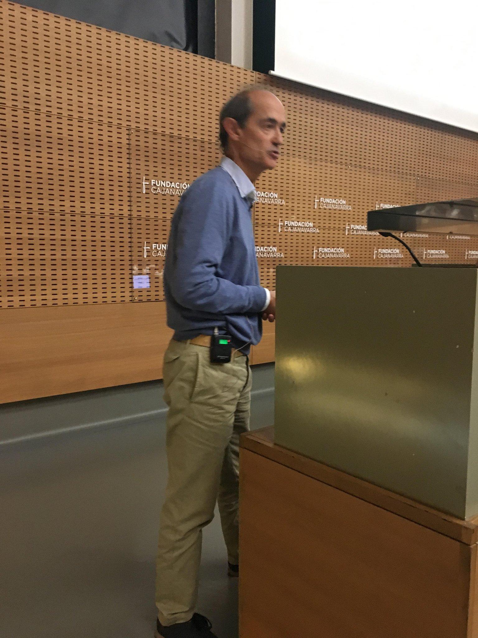 Dr. Fernando Fombellida, especialst en Estomatología y coautor del libro 'Cocinar para vivir, cocinar para prevenir el cáncer' #JornadaSaray https://t.co/WSU8keK32a