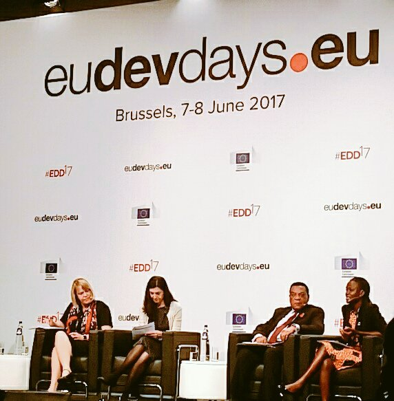 Youth is not the problem, youth is the solution - intergenerational dialogue needed says young leader Esenam from Ghana at #EDD17 https://t.co/julsN2ZvXB