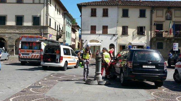 """Bimba morta dimenticata in auto ad Arezzo, la madre: """"Non l'ho vista"""""""