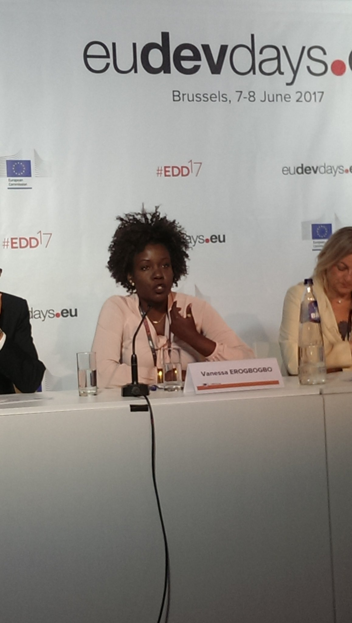 Investment, comprehensive action needed for #women's profitable participation in the economy - @verogbogbo at #EDD17 on Women #Entrepreneurs https://t.co/swHgTfTeg9