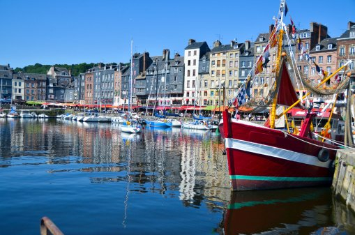 RT @Francemagazine &quot;Honfleur always looks so pretty #Normandy  #France © Thinkstock <br>http://pic.twitter.com/nQOnFtGd3q&quot;