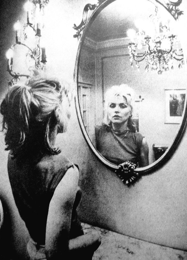 &quot;Mirror mirror on the wall Who&#39;s the Blondiest of then all ?&quot; #Debbie <br>http://pic.twitter.com/TJOnSzalEa
