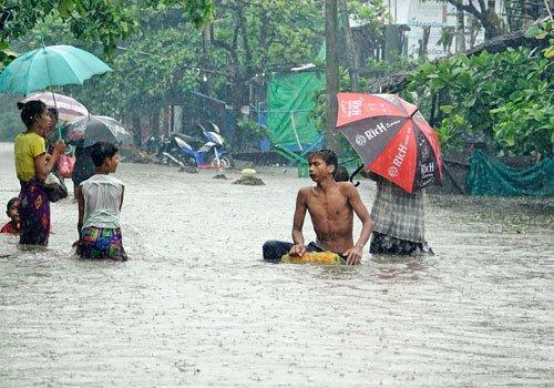 #Flood mitigation begins as heavy rains expected | #Myanmar  http:// bit.ly/2tAkiUG  &nbsp;  <br>http://pic.twitter.com/lkS33UGpA8