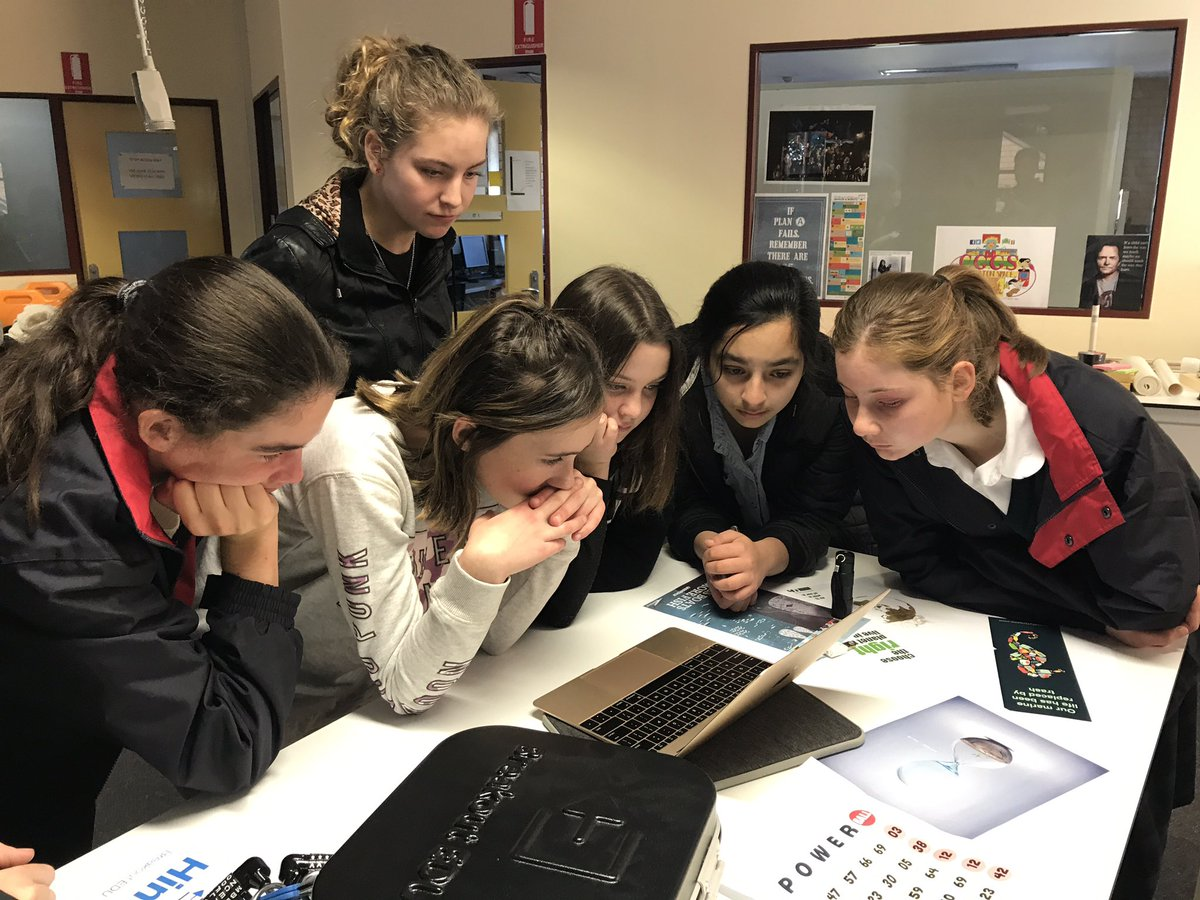 .@_CGGS Creative Minds Day students are saving the world with @breakoutEDU! #engineering #STEM <br>http://pic.twitter.com/FjQMaJVxTY