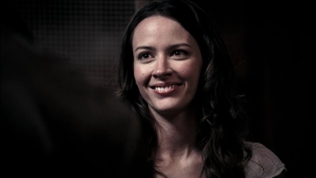 I was watching Supernatural and LOOK WHO IT IS!! @AmyAcker https://t.c...