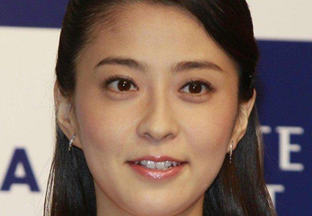 小林麻央さん死去 34歳、22日夜自宅で https://t.co/R44aY8lGHI https://t.co/9oxZEAoo5s