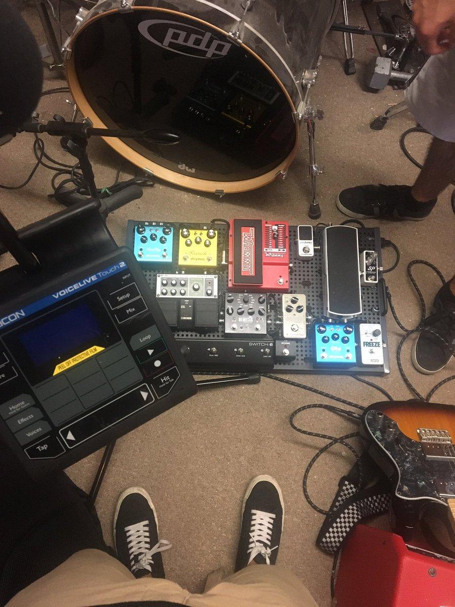 Calvins setup at practice. #music #indie #indierock #altrock #alternative #kingsprophet #rock #guitar #singer #guitarpedals #tchelicon<br>http://pic.twitter.com/wnCBjPxvdg