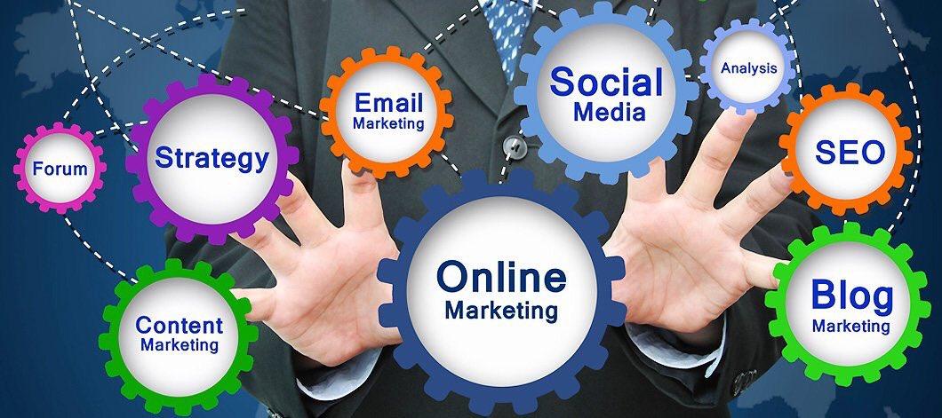The #ROI of #SocialMedia  #DigitalMarketing #SMM #GrowthHacking #SEO #SEM #ContentMarketing #defstar5 #makeyourownlane @erica_h_groves<br>http://pic.twitter.com/sXxK1awdhR