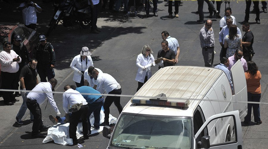 3 killed every hour: #Mexico's murder rate reaches 20-year high  https:// on.rt.com/8fo6  &nbsp;  <br>http://pic.twitter.com/GJXhHmbLKt