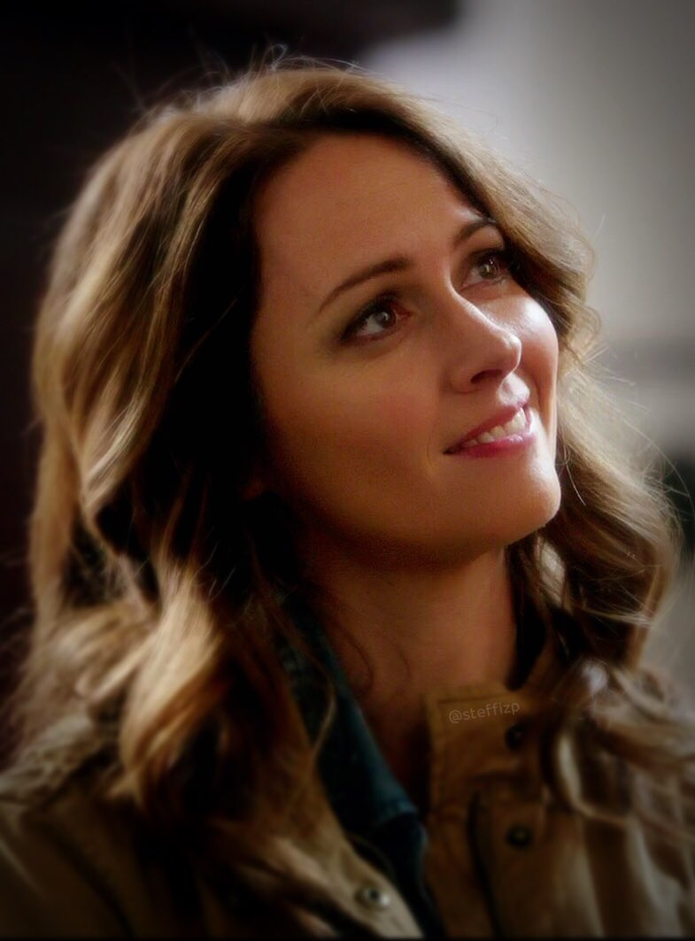 Amy in #Suits 01x12 #AmyAcker #TBT https://t.co/n4LP4t6zSh