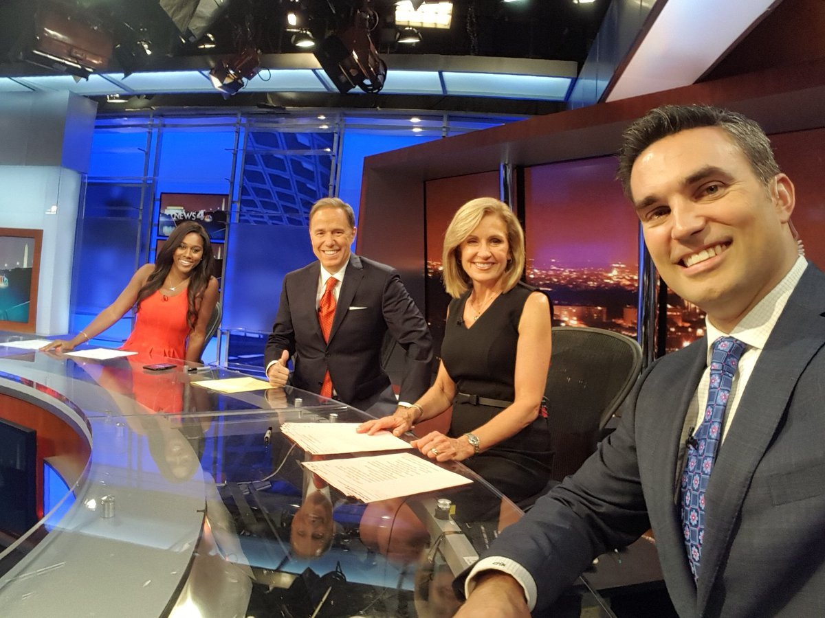The teams all here!! #NBC4DC <br>http://pic.twitter.com/JNj3wgMmN4