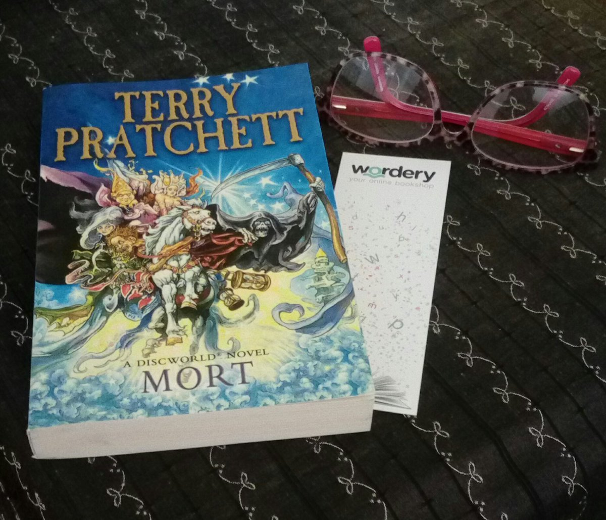 Choice of reading material for today with a @wordery bookmark as that&#39;s where I bought #Mort <br>http://pic.twitter.com/Dbid5X5TPk
