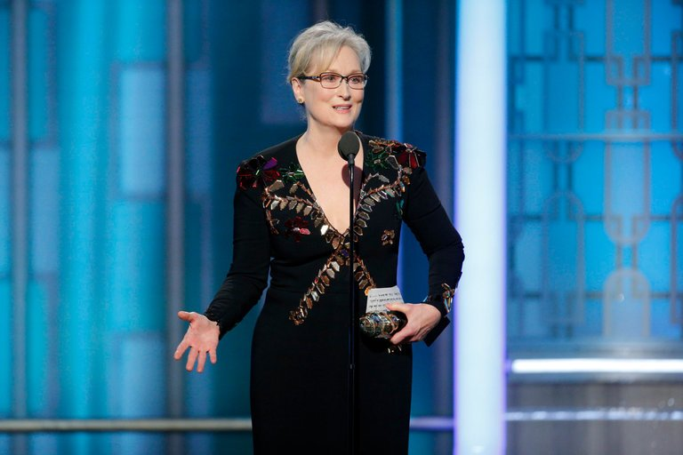 Today is #MerylStreep&#39;s birthday! We just LOVE her. From her #GoldenGlobes speech earlier this year...  http:// traffic.libsyn.com/oscarsrmysprbw l/45_Golden_Globes_2017.mp3?dest-id=417780 &nbsp; … <br>http://pic.twitter.com/UZY2D3DtuJ